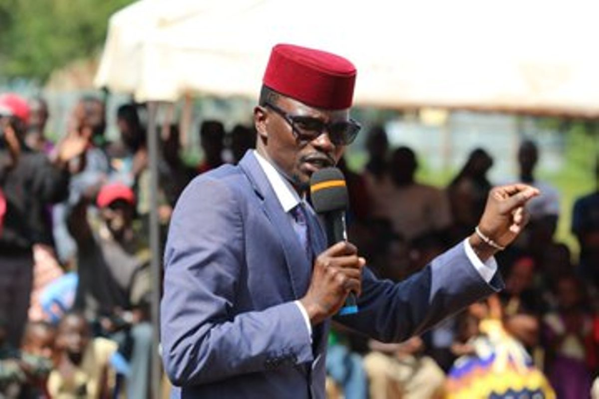 Jubilee State House meeting went on with 3 AK47s on the table! – Didmus Barasa
