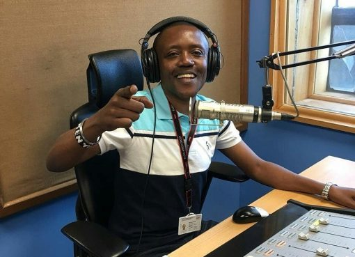 Maina Kageni in studio