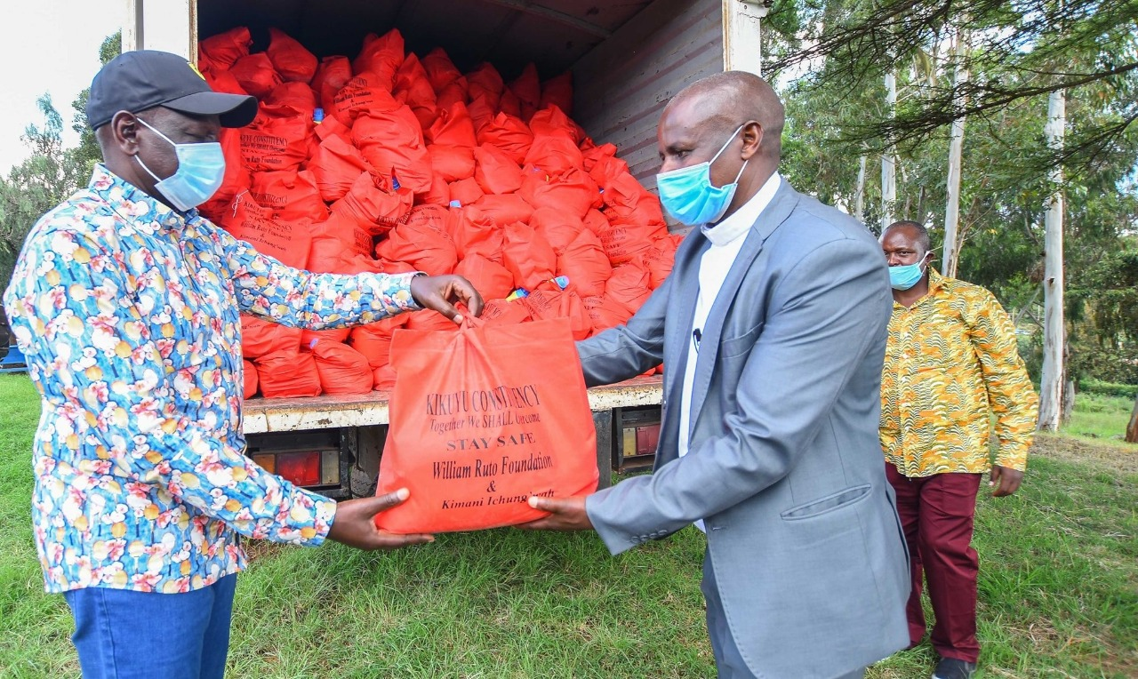 Ruto makes first public appearance as he visits Uhuru's backyard