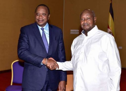 Yoweri Museveni with Uhuru Kenyatta