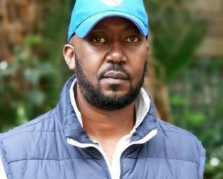 Controversial Radio Presenter, Andrew Kibe Caught On Camera Harassing Police Officers.