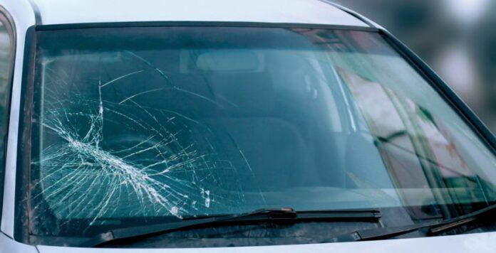 The broken-windscreen